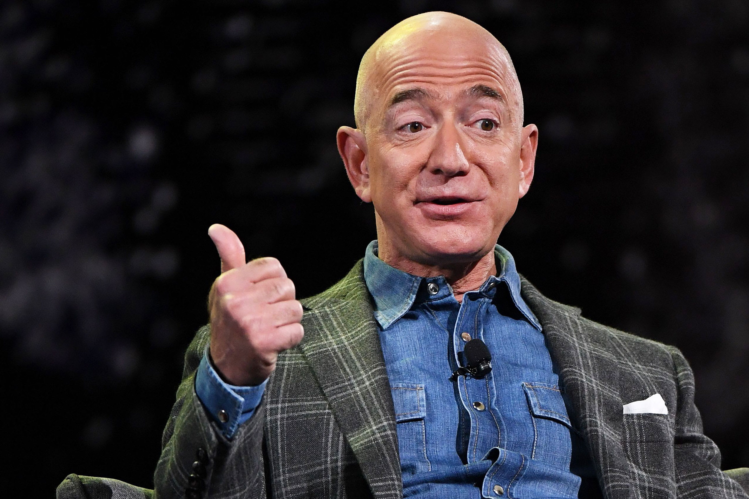 Jeff Bezos named businessperson of the decade by global finance chiefs, CNBC survey says