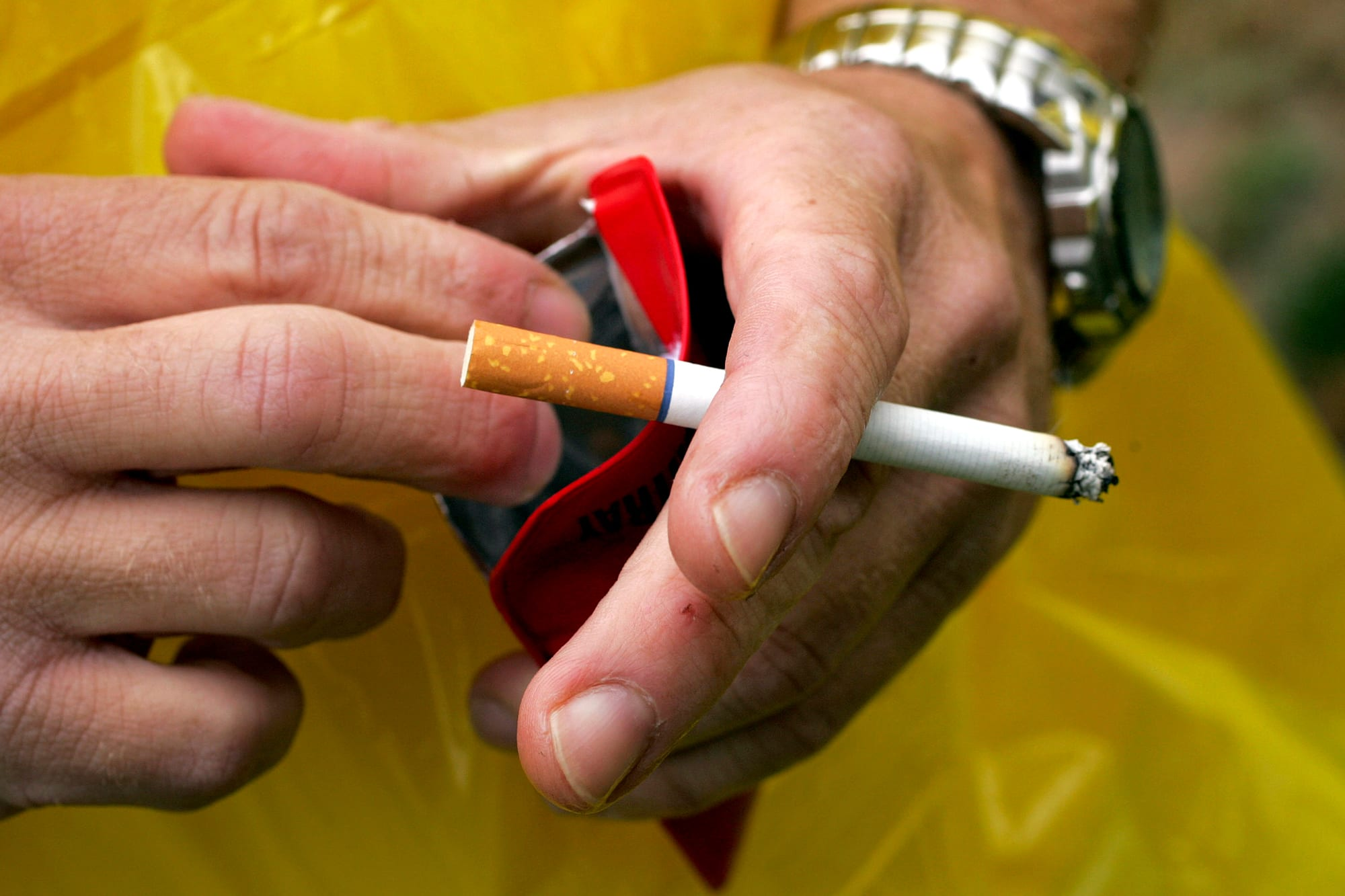 US lawmakers are working on a deal to raise tobacco age, repeal unpopular Obamacare tax as part of spending package