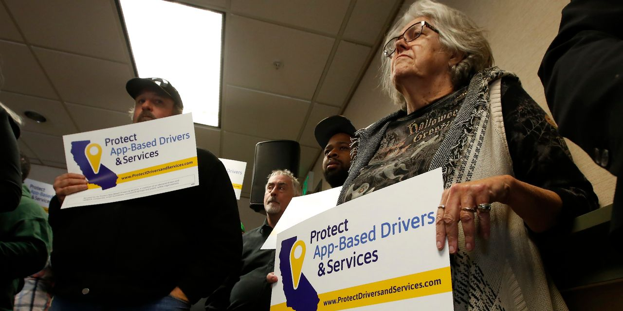 Uber, Lyft Marshal Forces as Fight Heats Up Over California Law on Gig Workers