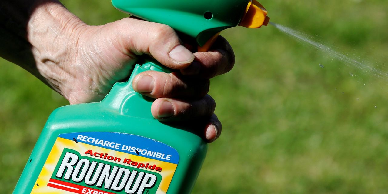 Trump Administration Backs Bayer in Weedkiller Court Fight
