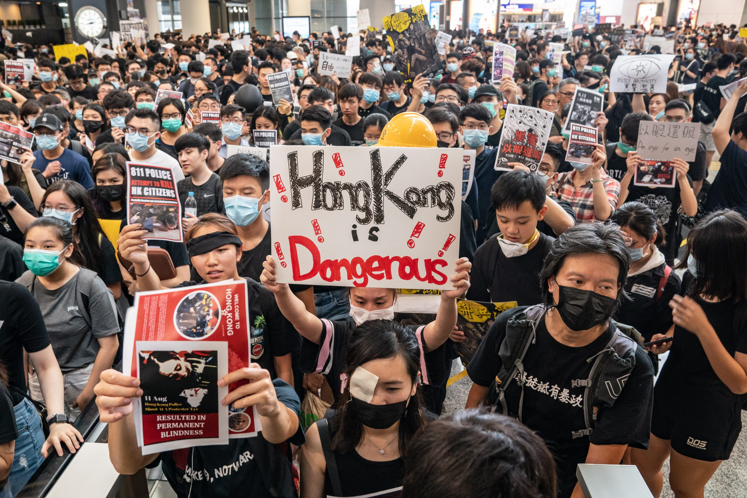 5 charts show how protests in Hong Kong have affected the city's economy and stock market