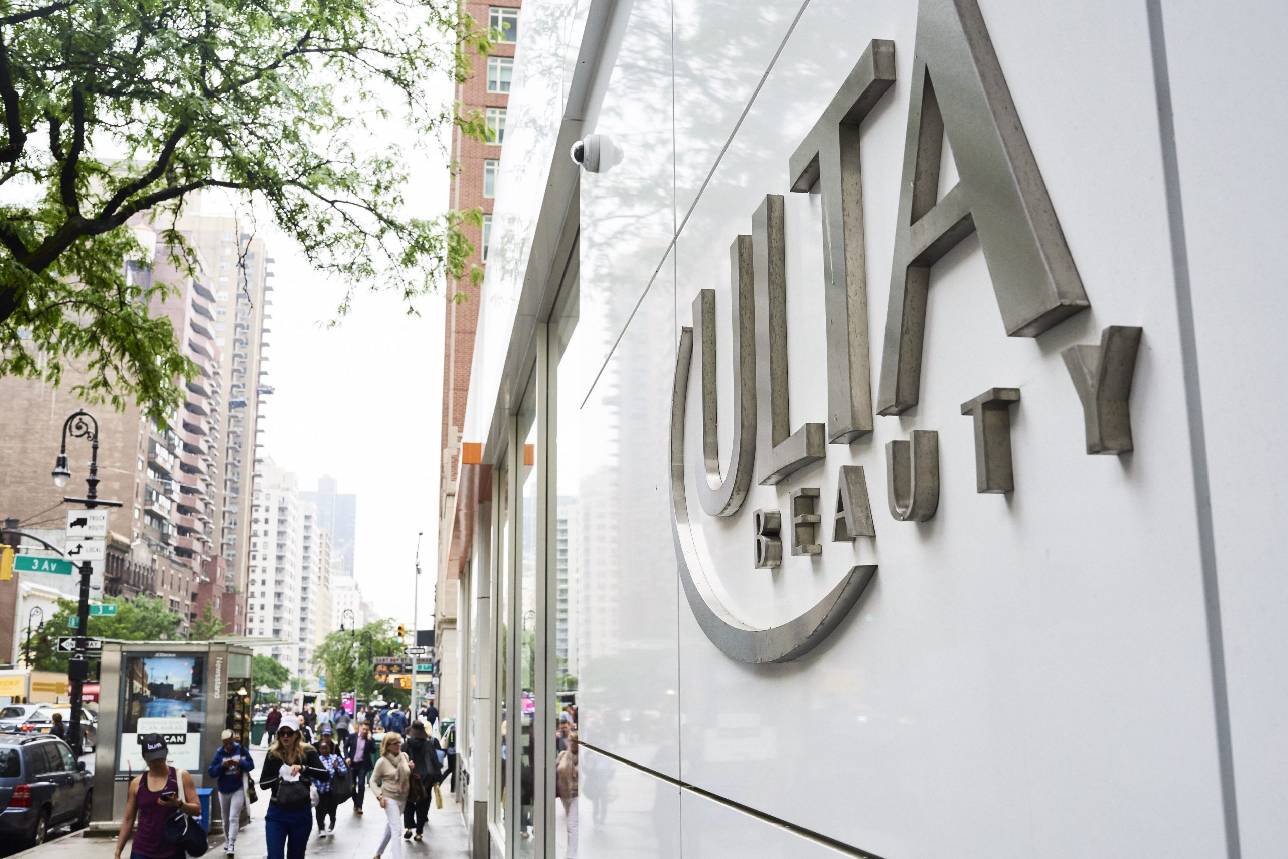 How department stores lost their clout in the beauty industry to Ulta, e-commerce and influencers