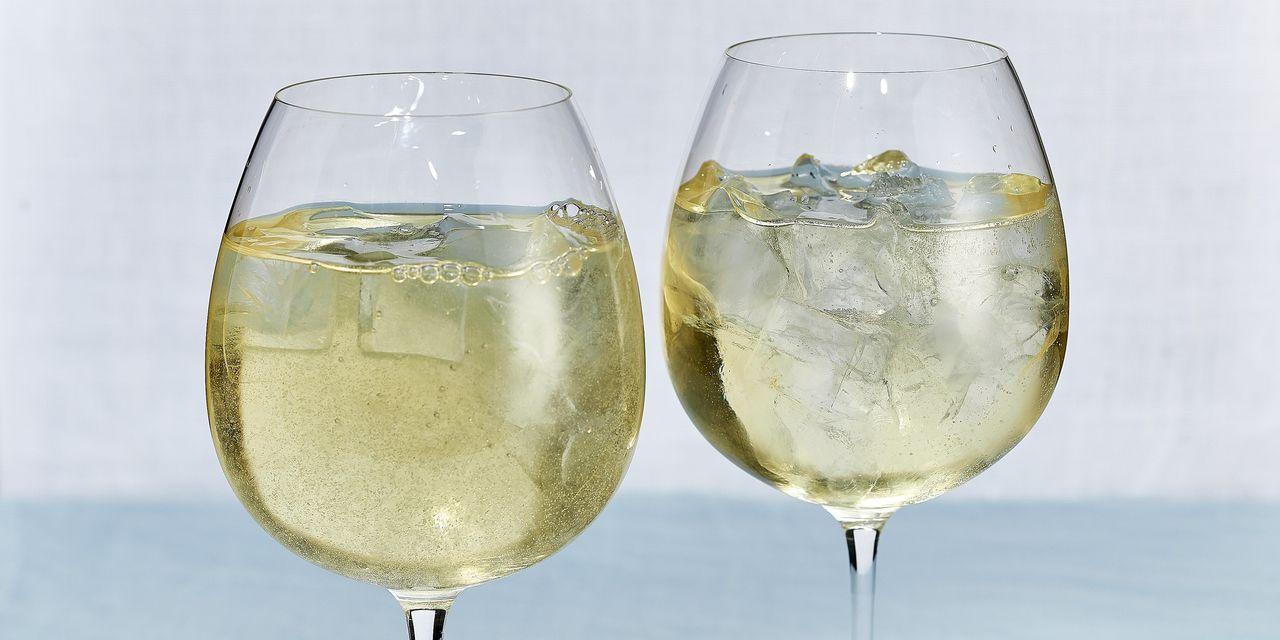 Why the White Wine Spritzer Is a Wise Choice for Holiday Imbibing