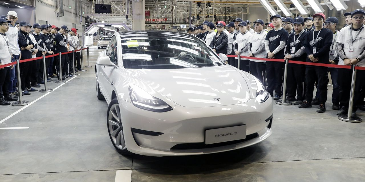 Tesla's First Made-in-China Model 3s Hit the Road