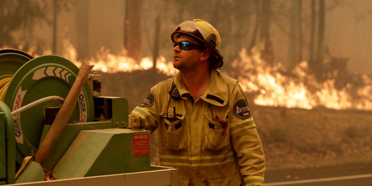 Australia Calls Out More Troops as Fire Crisis Escalates