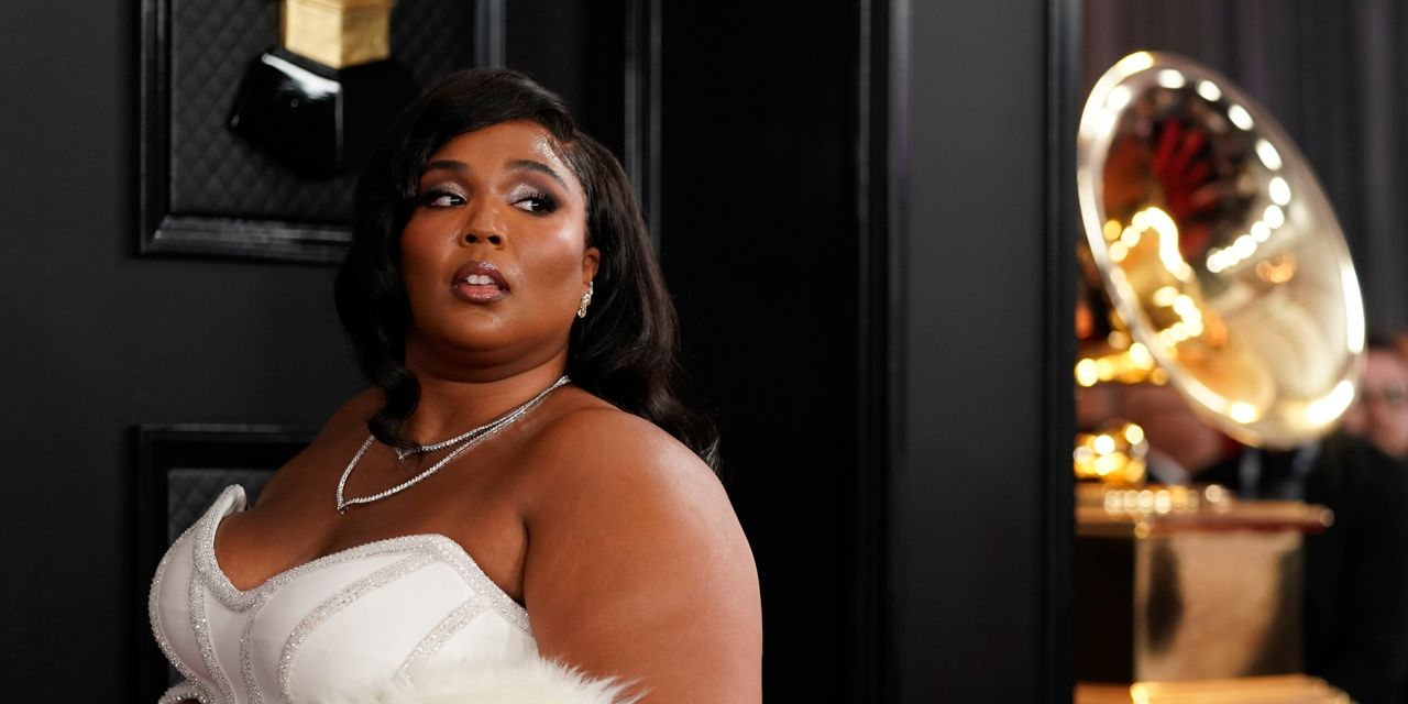 Lizzo Opens Somber Grammys
