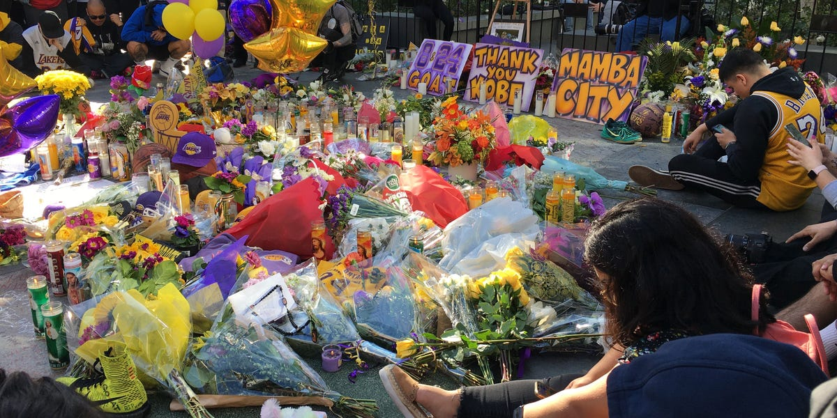 Photos: Fans outside Staples Center show Los Angeles mourning Kobe Bryant
