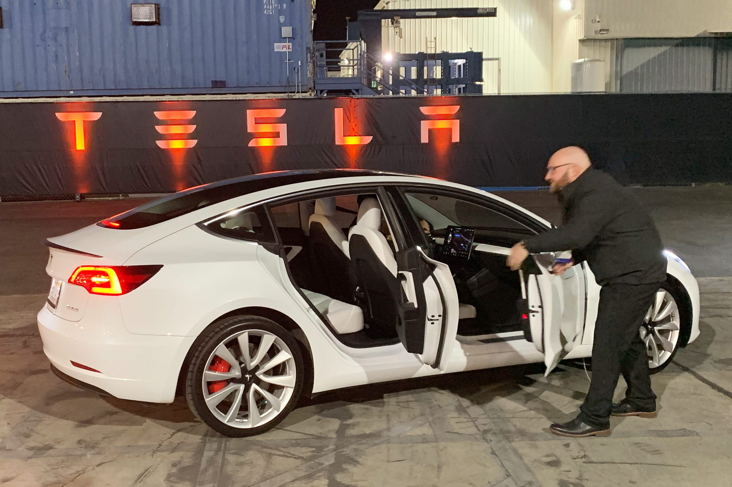 Here's what every major analyst had to say about Tesla's big earnings beat