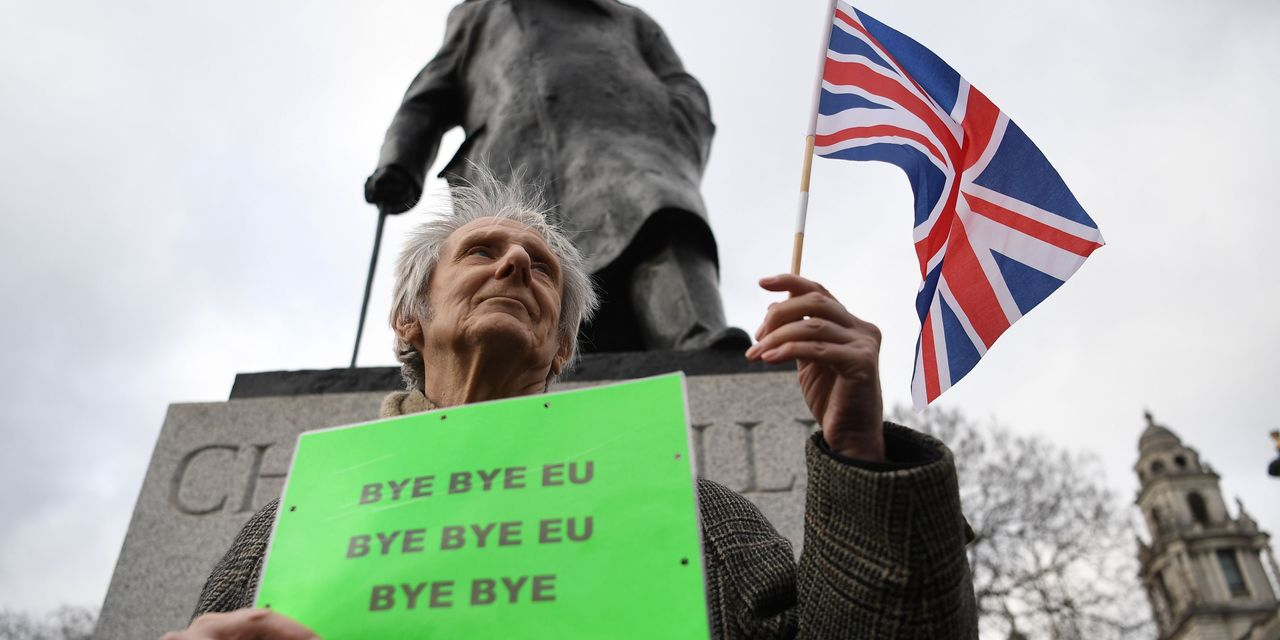 After a Turbulent Marriage, Britain Says Goodbye to the EU