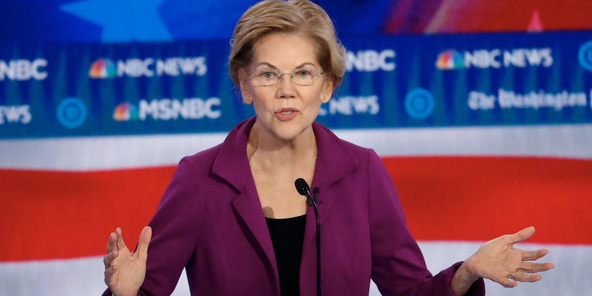 Elizabeth Warren won't disavow a new super PAC supporting her
