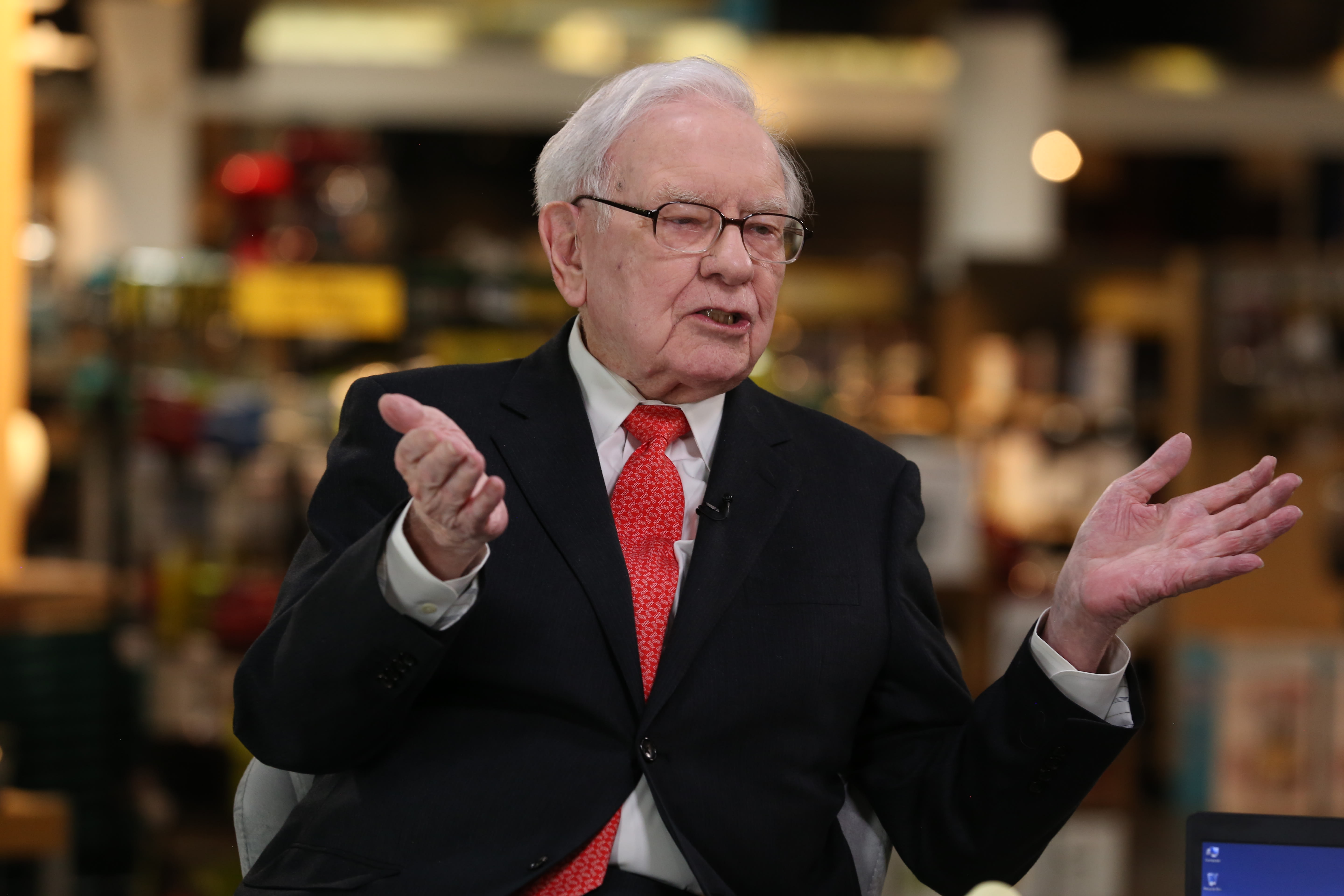 Here are Warren Buffett's biggest stock investments right now