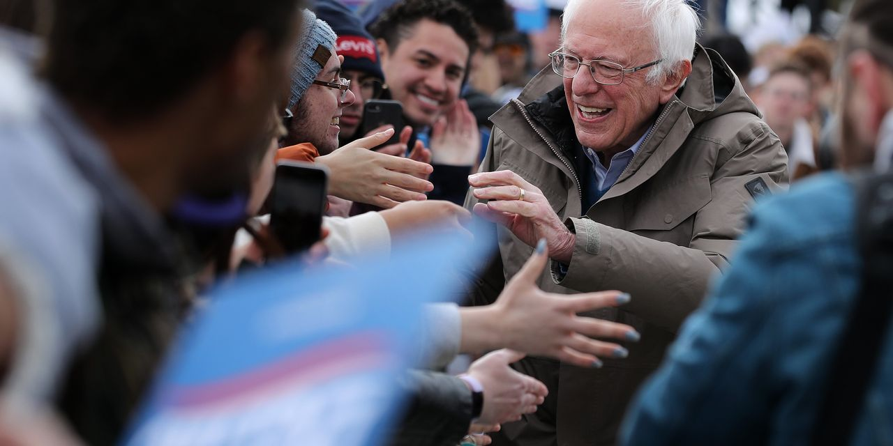 Democrats Head to Polls in 14 States on Super Tuesday