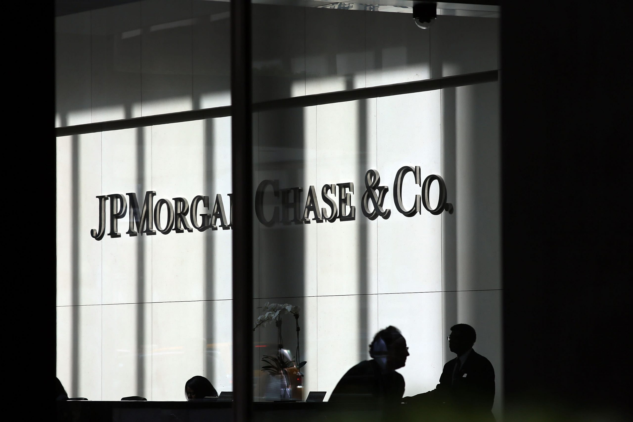 JPMorgan is moving hundreds of traders to backup offices as Wall Street braces for coronavirus
