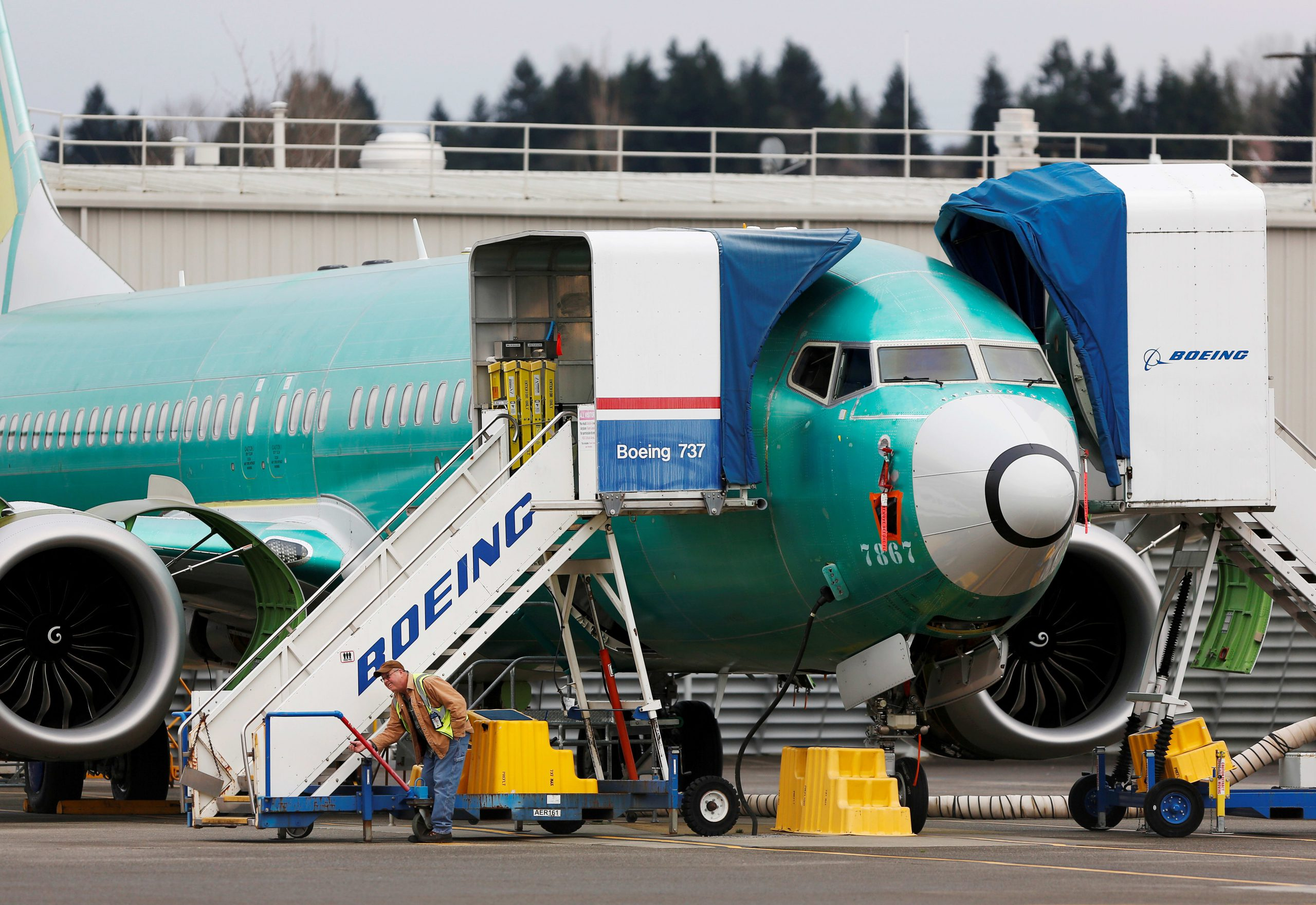 FAA tells Boeing that 737 Max wiring bundles are 'not compliant'