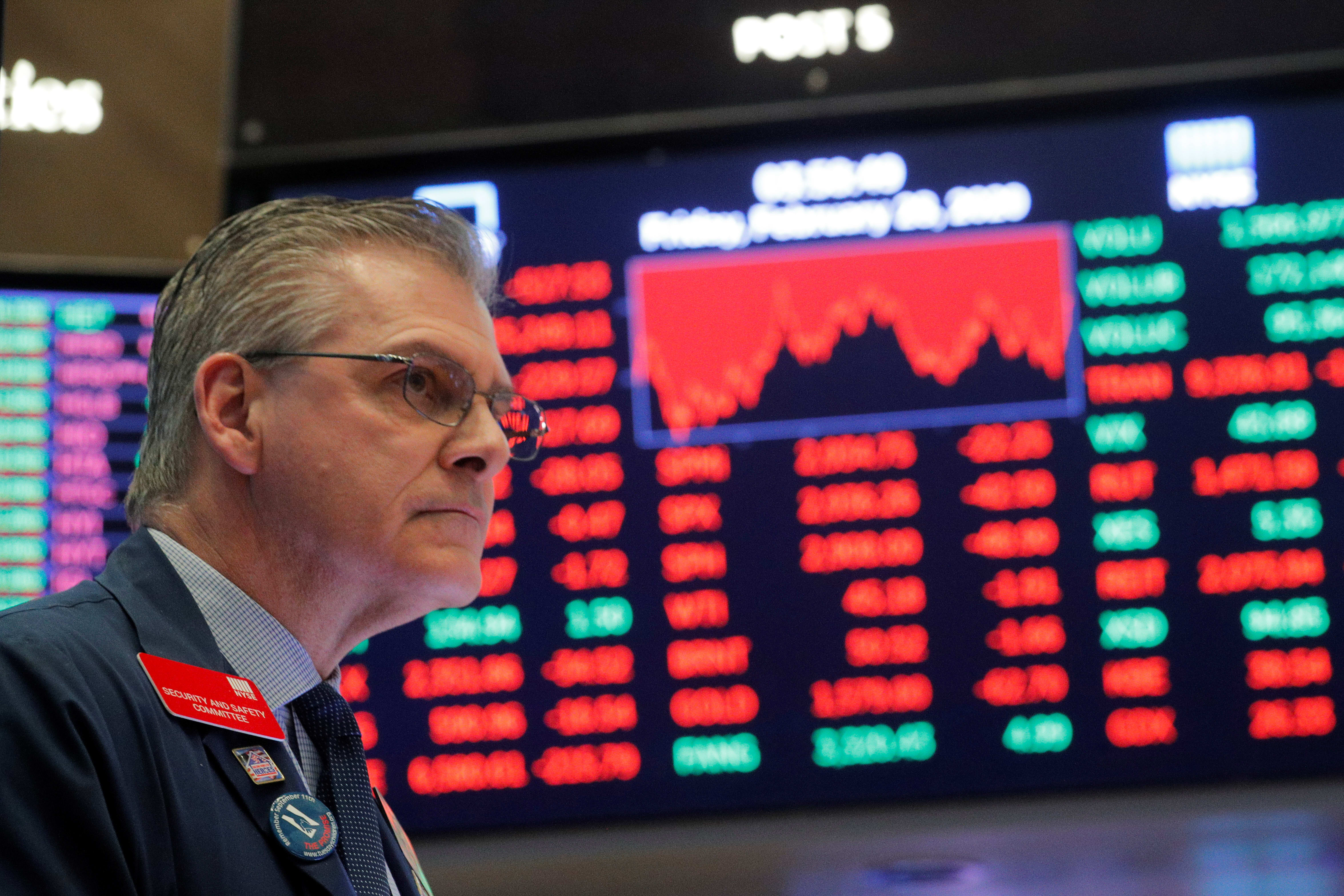 Stocks making the biggest moves midday: Norwegian Cruise Line, DXC Technology, Citigroup & more
