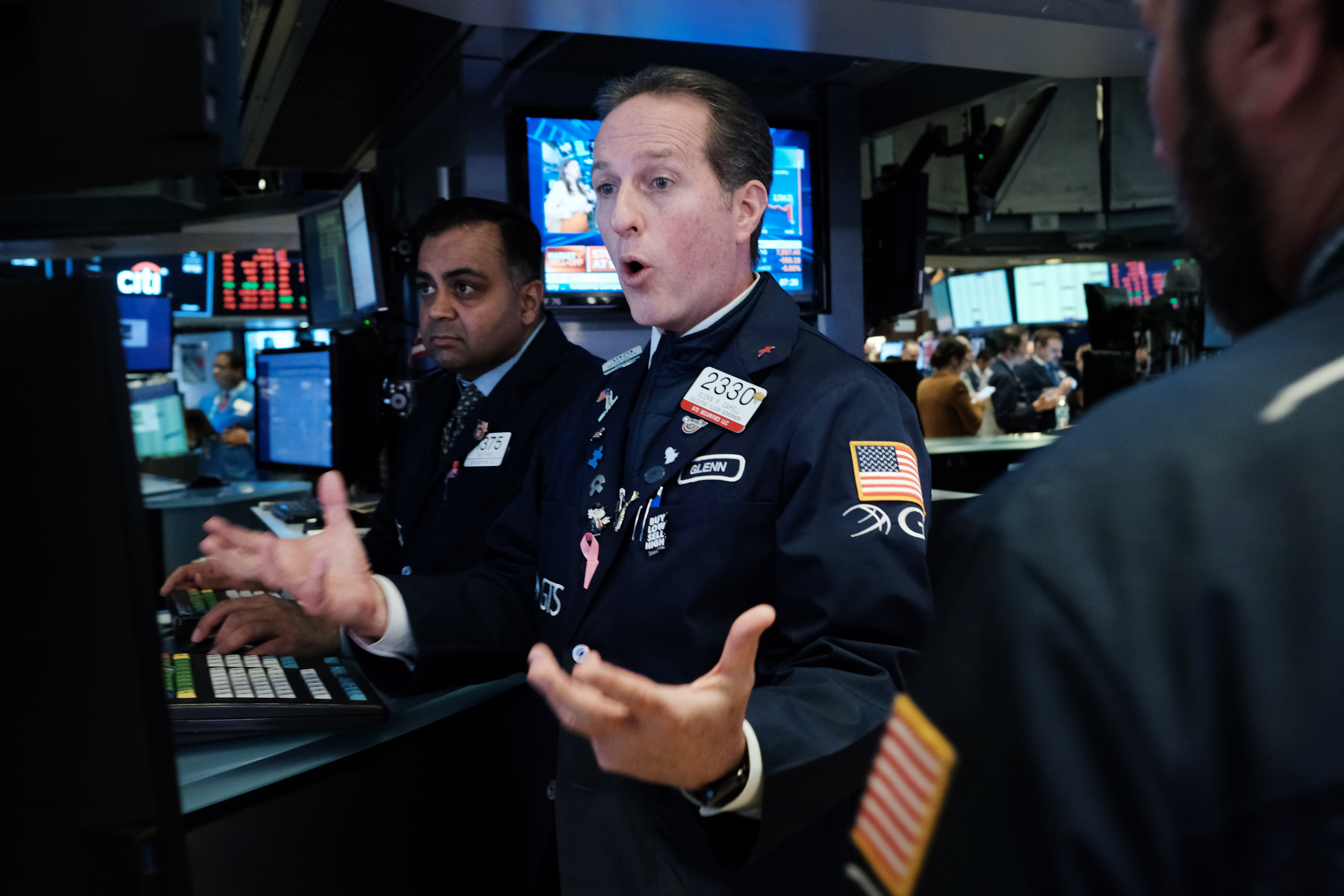 Stock market live updates: Sell-off deepens, trading halted, S&P 500 heads for bear market
