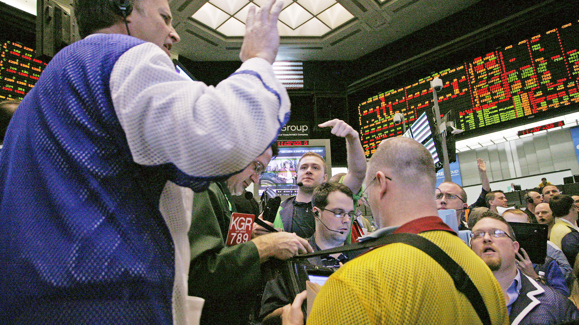 Treasury yields inch higher as stimulus hopes lift markets