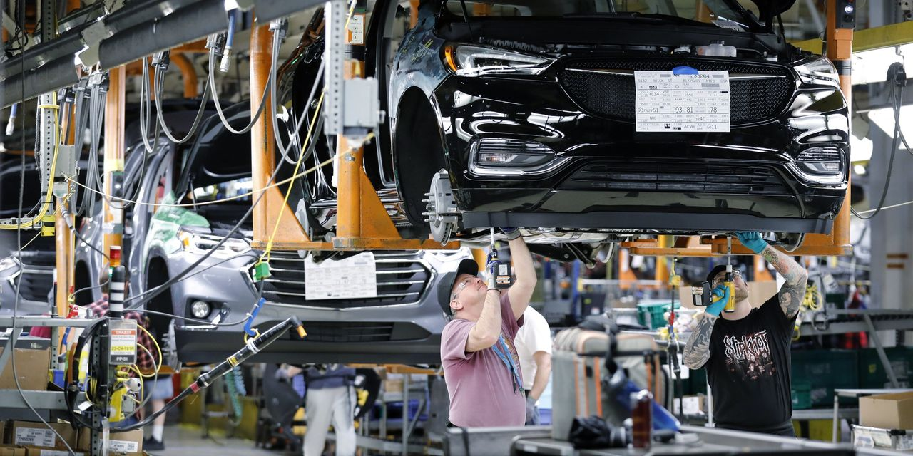 Detroit Car Makers to Temporarily Close U.S. Plants Over Virus Concerns