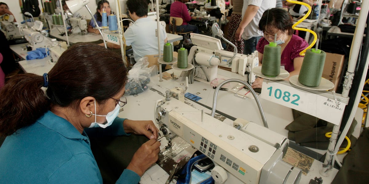 Coronavirus: Mask shortage forces hospitals to turn to LA seamstresses