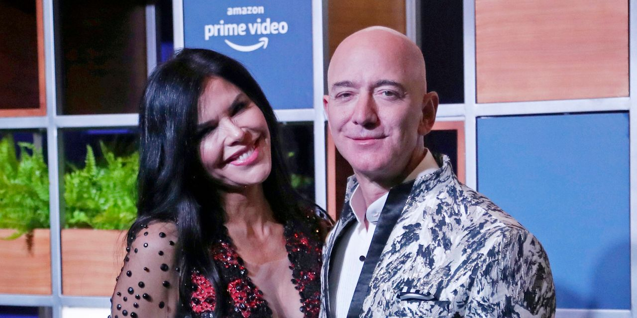 Jeff Bezos' Girlfriend's Brother Sues National Enquirer Publisher for Defamation