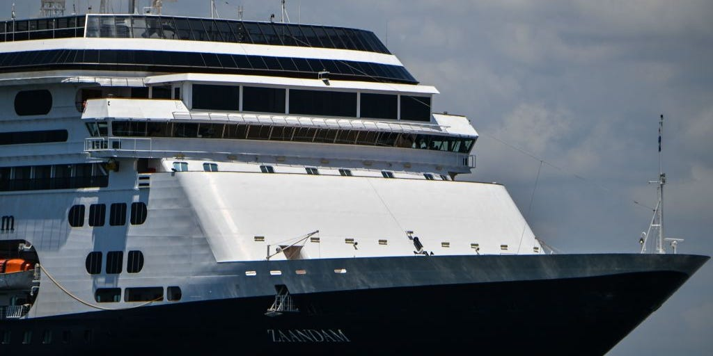 Stranded Holland America cruise ship okayed to cross Panama Canal