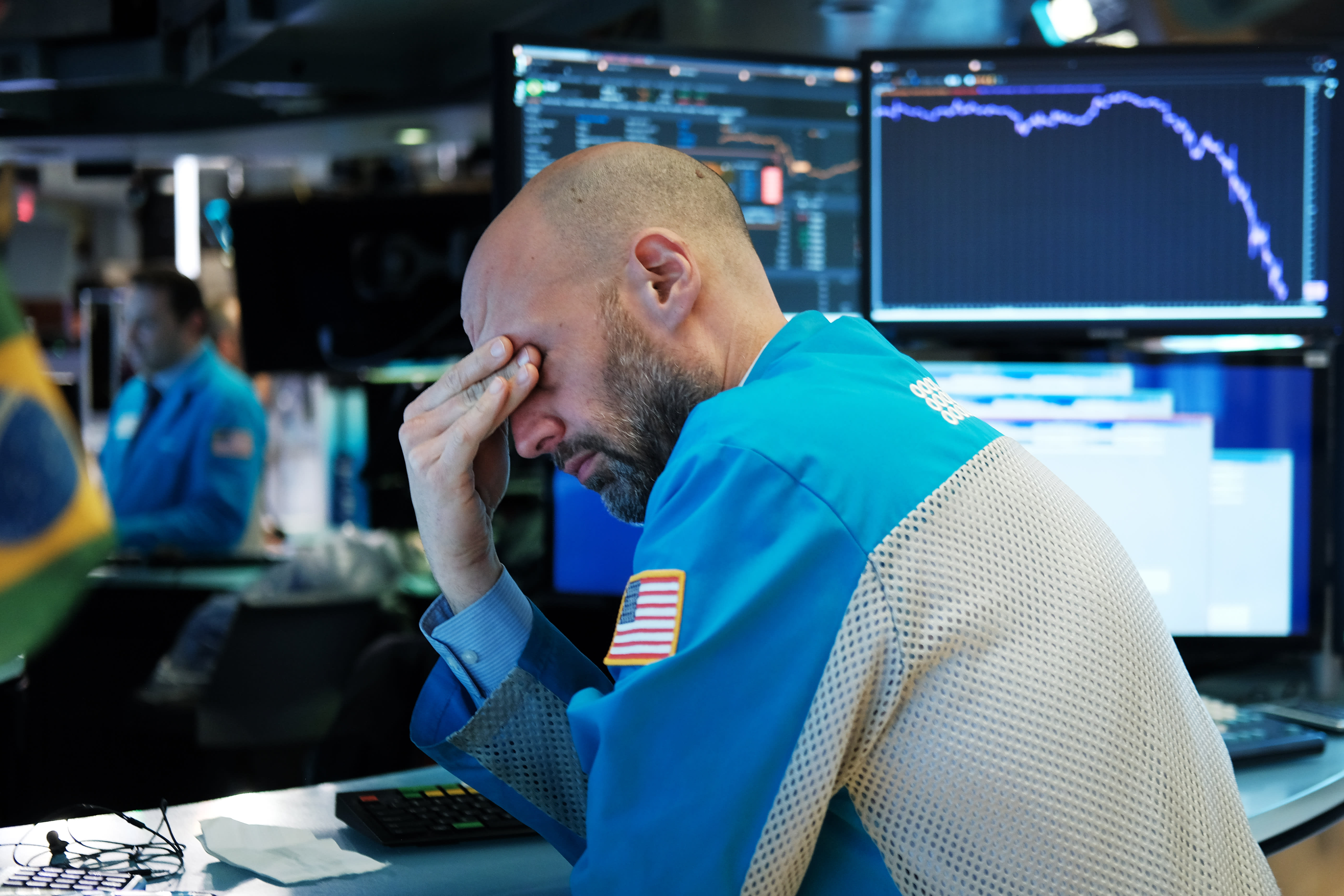 The market is so haywire some Wall Street strategists threw in the towel on giving S&P 500 targets