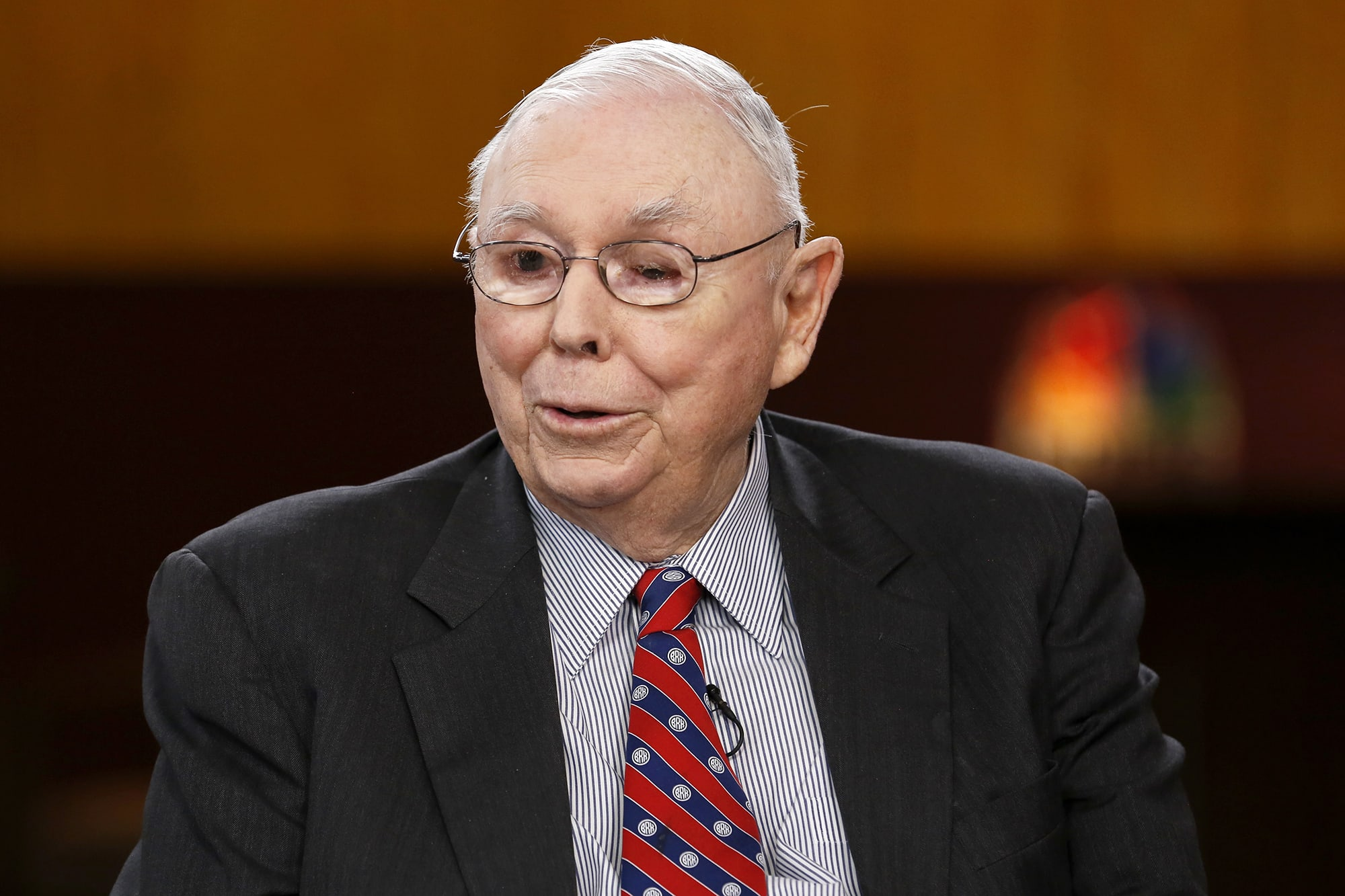 'Frozen' companies are not calling Berkshire Hathaway for rescue investments, Charlie Munger says