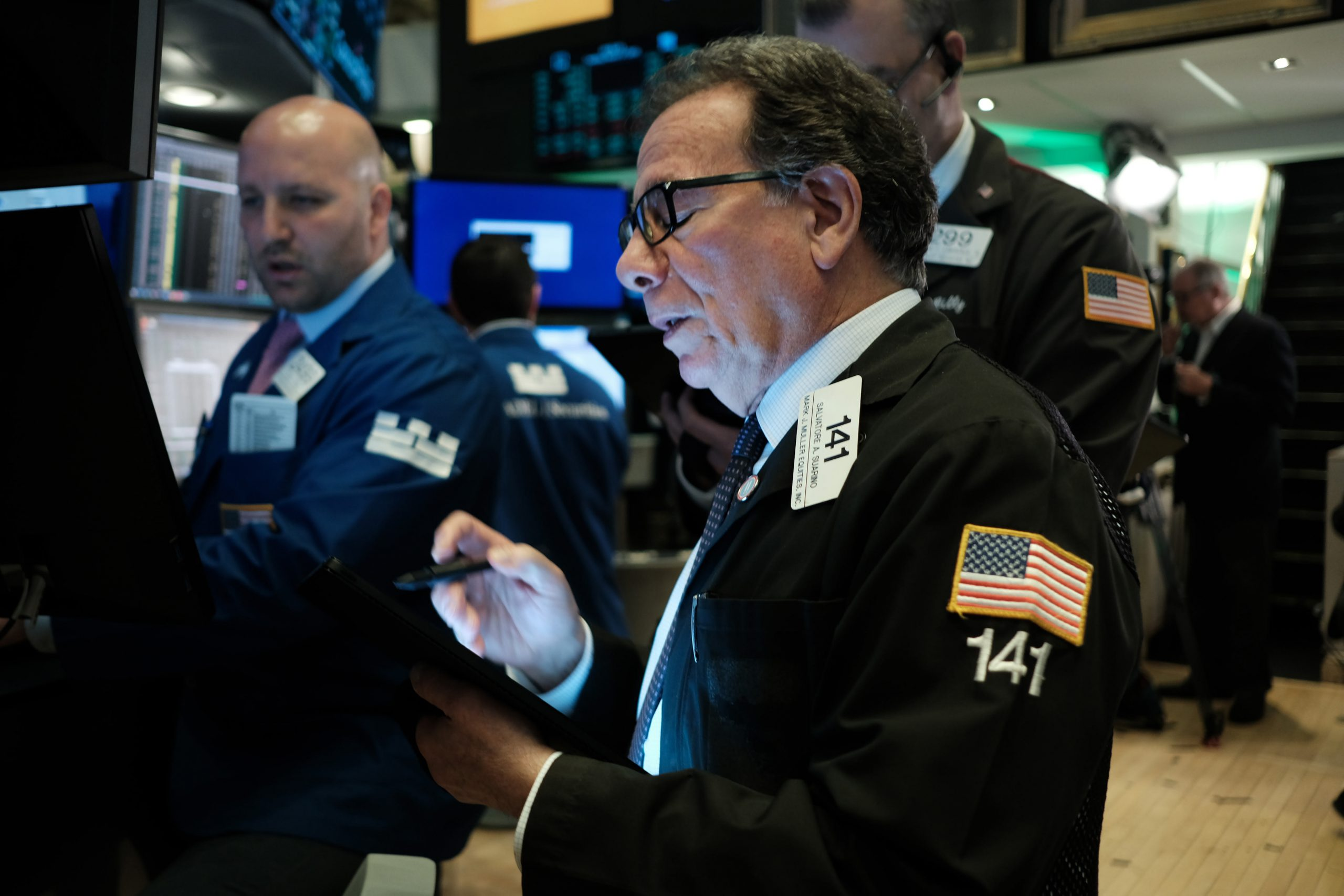 Treasury yields lower as US oil prices sink