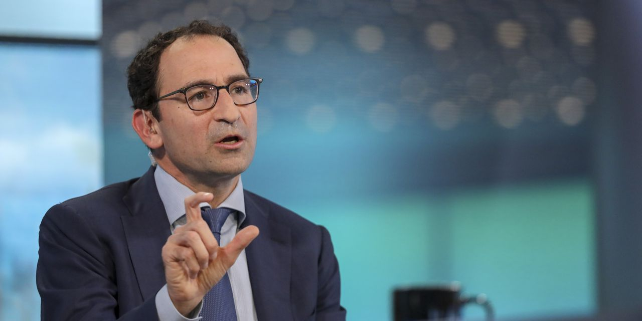 Blackstone Battered by Selloff; Gray Sees 'Elongated Recovery'
