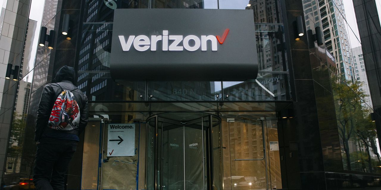 Verizon's Wireless Business Slowed by Coronavirus