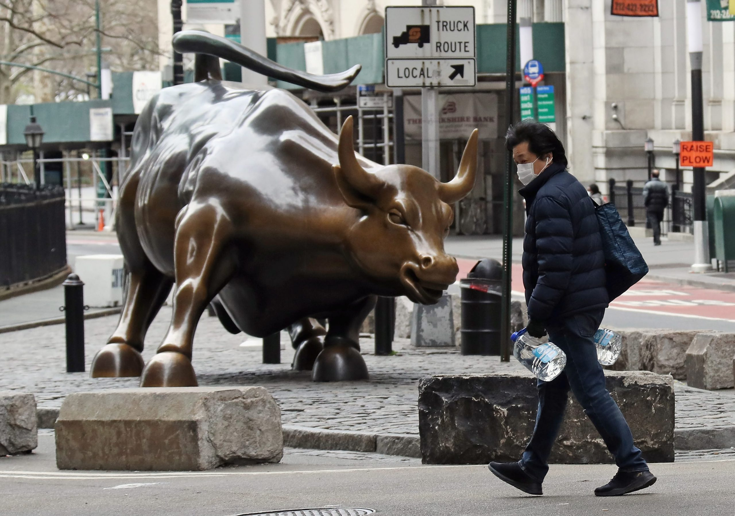 Stock market live updates: Dow futures up 300, hopes of reopening build, oil down again