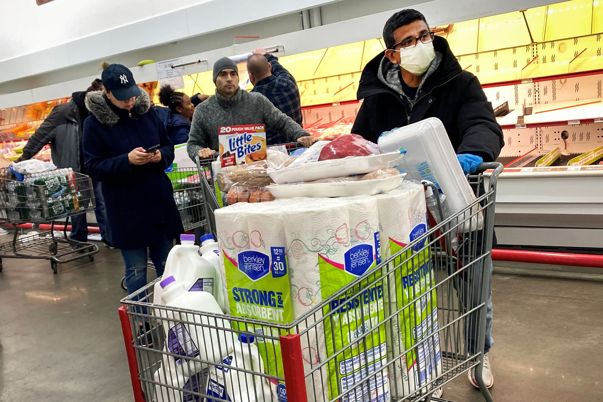 Coronavirus delivers record blow to US retail sales in March