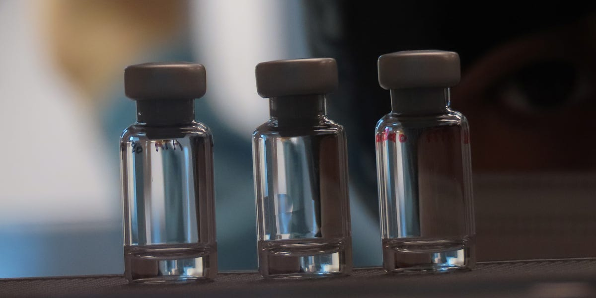 Glass vial shortage could stop global rollout of coronavirus vaccine