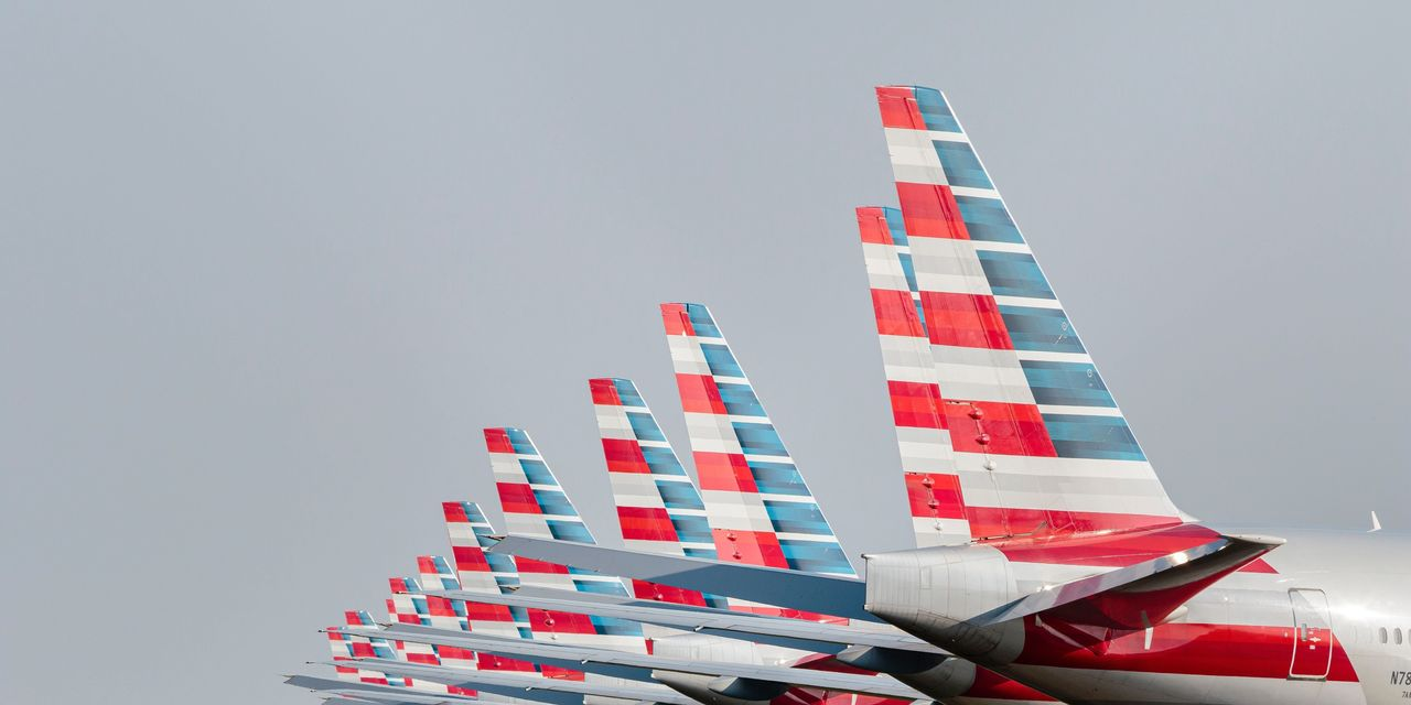 American Airlines to Cut 30% of Management and Administrative Staff
