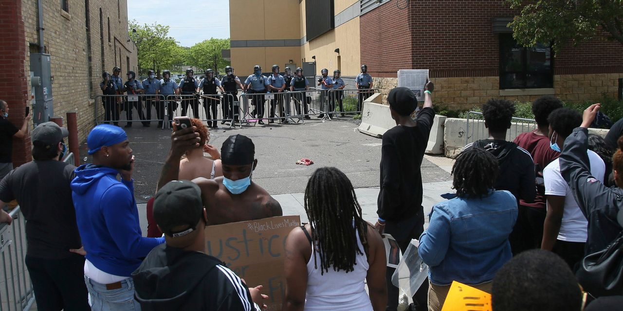 Minneapolis Protests Over George Floyd Death Escalate and Spread
