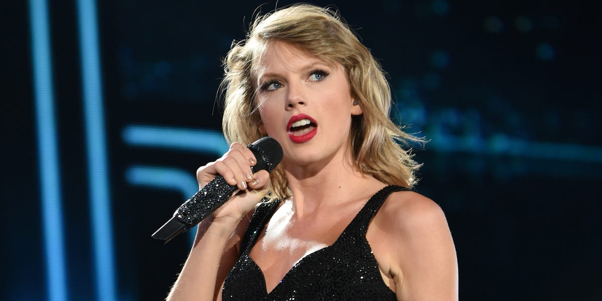 Taylor Swift: Trump is 'stoking the fires of white supremacy'