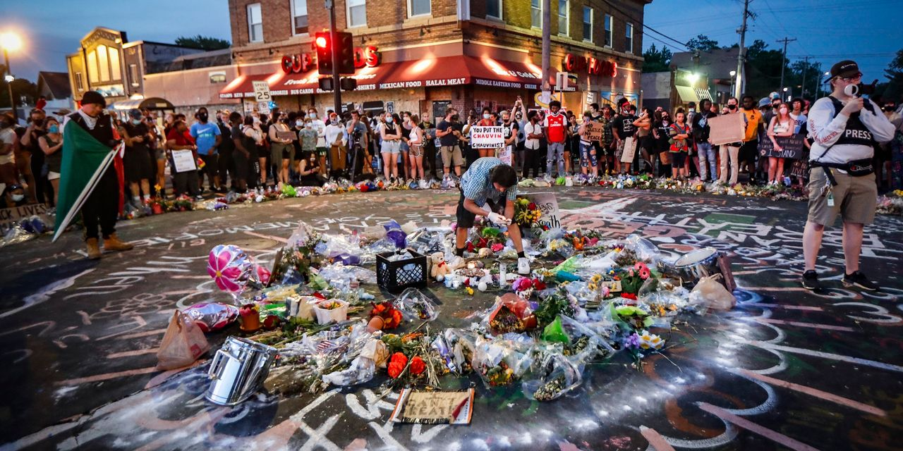 George Floyd Memorial Swells With Thousands Gathering to Grieve—and Unite