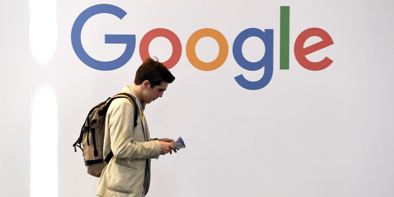 Google Strikes Deals to Pay Some Publishers for News
