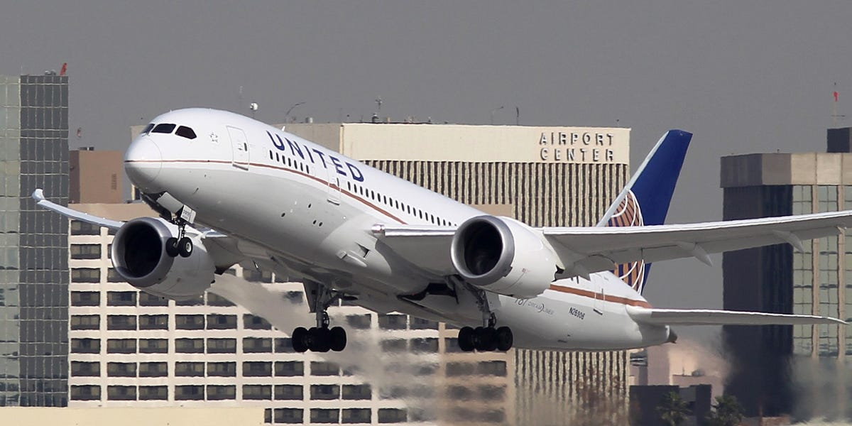 United Airlines executive said social distancing on planes is for PR
