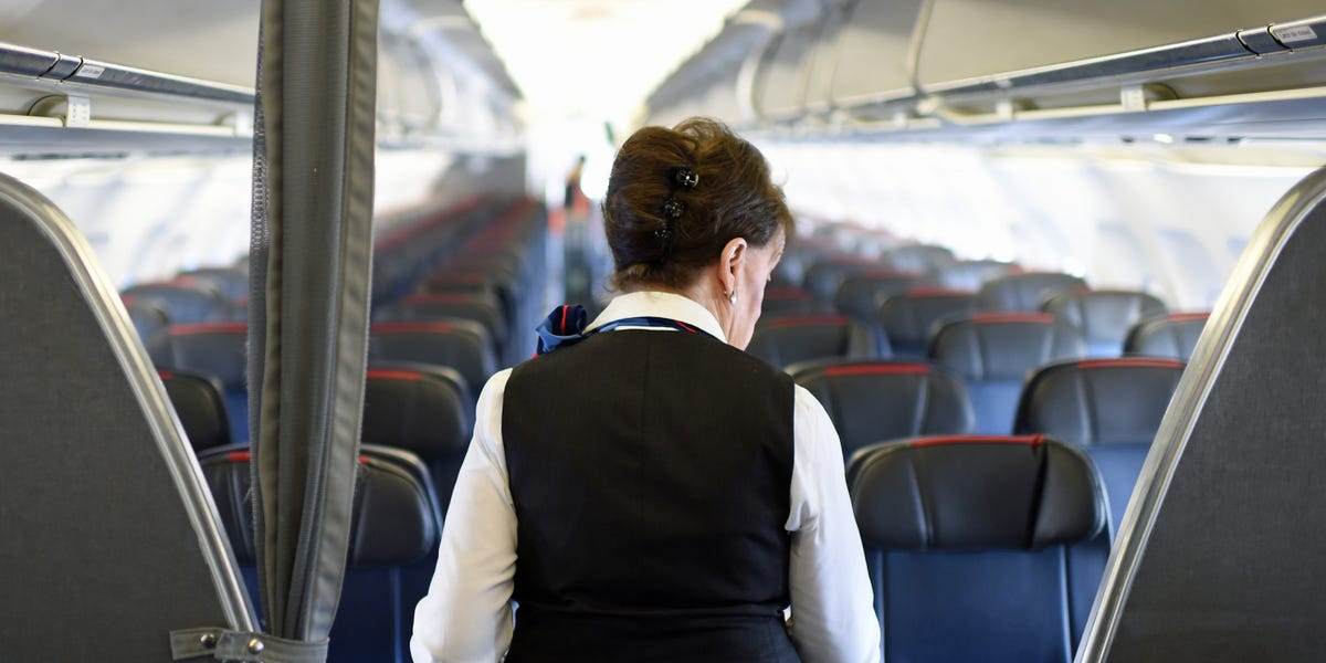 American Airlines to close bases, needs to reduce flight attendant staff