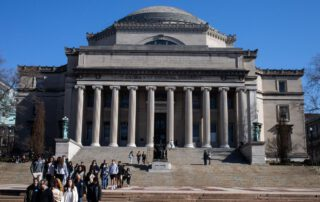 New U.S. Rules on Foreign Students Put Universitiesin Dilemma