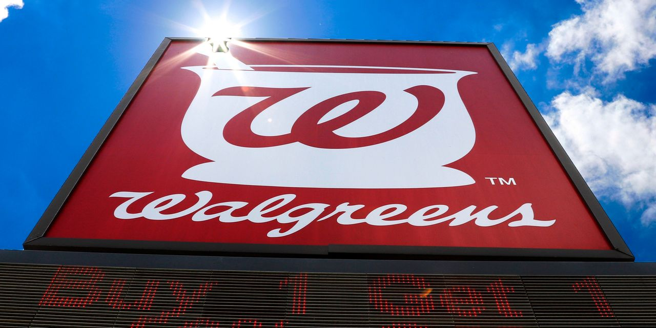 Walgreens to Open Doctors' Offices at Its U.S. Stores