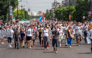 Tens of Thousands March in Russia's Far East, Defying Kremlin